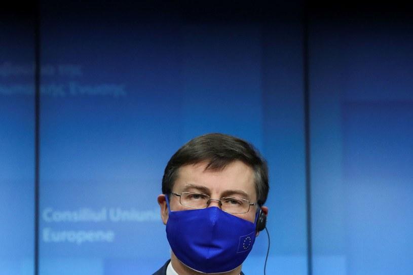 Komisarz ds. handlu Valdis Dombrovskis /Yves Herman /AFP