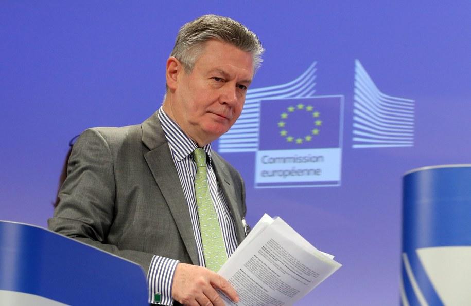 Komisarz Karel De Gucht /OLIVIER HOSLET /PAP/EPA