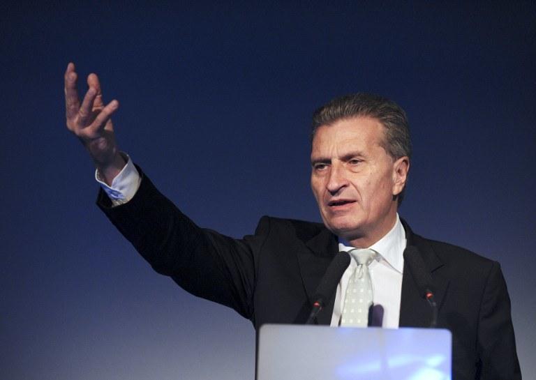 Komisarz UE ds. gospodarki cyfrowej i społeczeństwa, Niemiec Guenther Oettinger /AFP