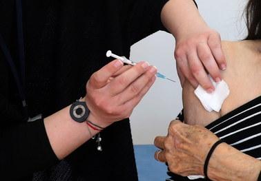 Komisja Europejska grozi blokadą eksportu szczepionek