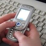 Komisja Europejska obniży ceny SMS-ów i internetu