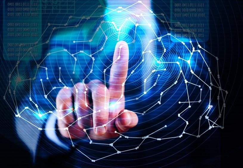 Komisja Europejska od 2014 roku monitoruje postępy członków Unii w zakresie cyfryzacji /123RF/PICSEL