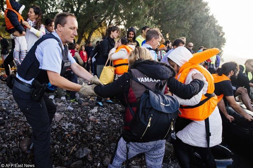 Komisja Europejska zamierza przedłożyć szereg inicjatyw, które na nowo ożywią kwestię uchodźców /AFP PHOTO / DIMITAR DILKOFF /East News