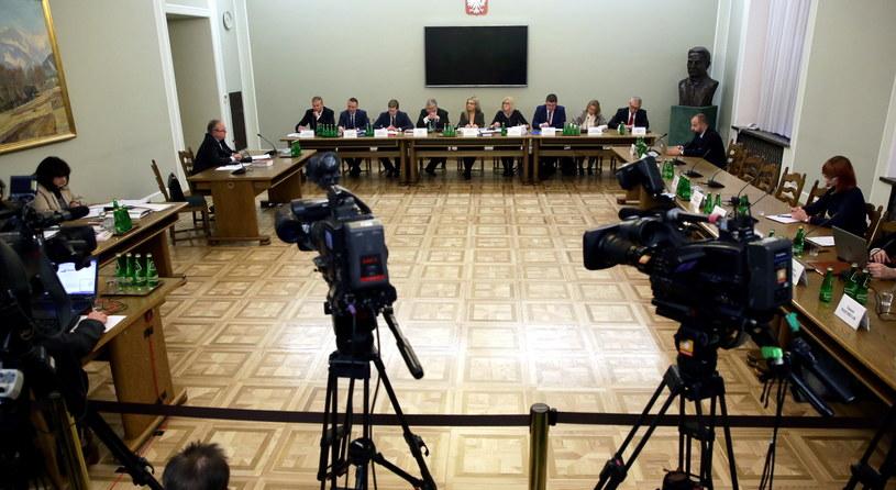 Komisja śledcza ds. Amber Gold /Tomasz Gzell /PAP