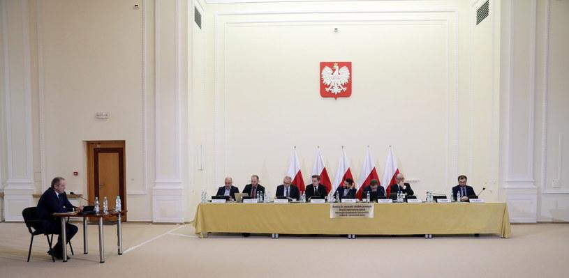 Komisja weryfikacyjna /Tomasz Gzell /PAP