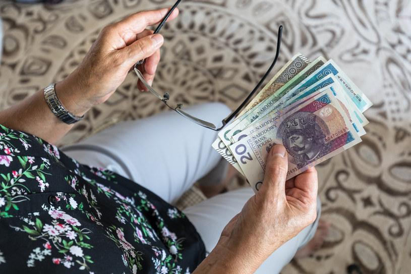 Komisje zajmą się we wtorek senackim projektem w sprawie emerytur dla kobiet z rocznika '53 /ARKADIUSZ ZIOLEK /East News