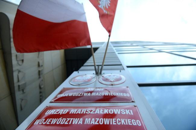 Komornik zajął konta Mazowsza wczoraj /Jacek Turczyk /PAP