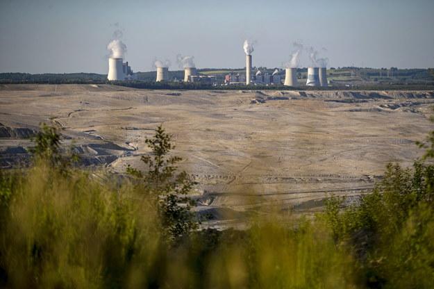 Kompleks Turów widziany od czeskiej strony /Martin Divisek /PAP/EPA