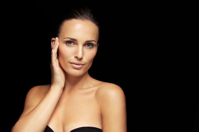 Kompleksowa pielęgnacja pozwoli zahamować starzenie się skóry /123RF/PICSEL