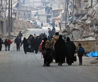 """""""Kompletny krach ludzkości w Aleppo"""". Strzelali do kobiet i dzieci"""