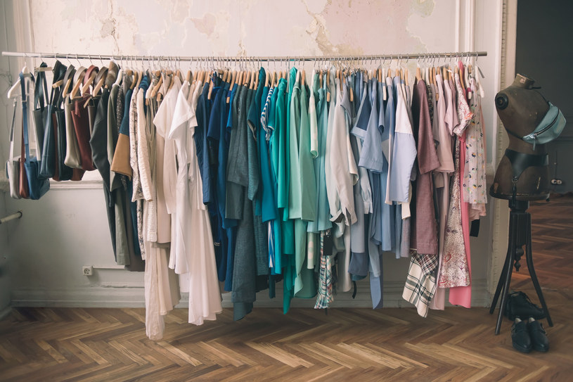 Kompletowanie garderoby to nie lada wyzwanie /123RF/PICSEL