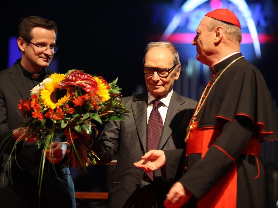 "Kompozytor Ennio Morricone odebrał medal ""Per Artem ad Deum"" Papieskiej Rady ds. Kultury /PAP /PAP"