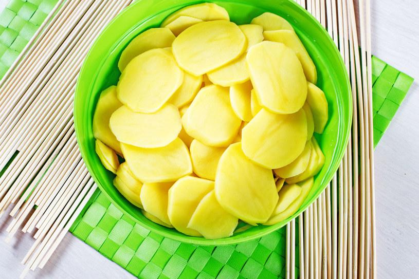 """Kompresy z ziemniaka lub kapusty doskonale """"wyciągają"""" gorączkę /123RF/PICSEL"""