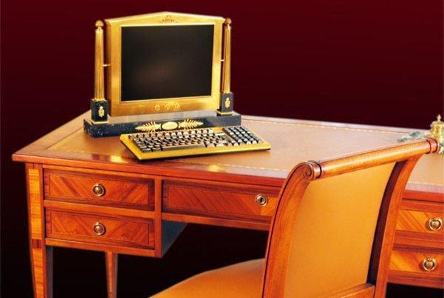 Komputer w stylu francuskiego empire /materiały prasowe