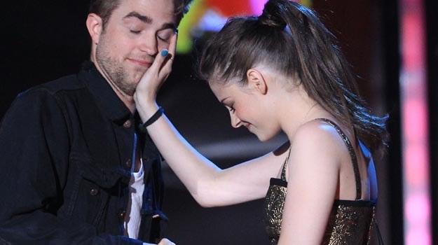 najnowsze wiadomości na temat Roberta Pattinsona i Kristen Stewart z 2010 roku Drunk Hook Meme