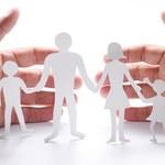 Komunie coraz bardziej przypominają wesela. Z jakimi kosztami muszą liczyć się rodzice i goście?