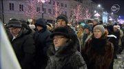 Kondukt żałobny z trumną prymasa przeszedł ulicami Warszawy