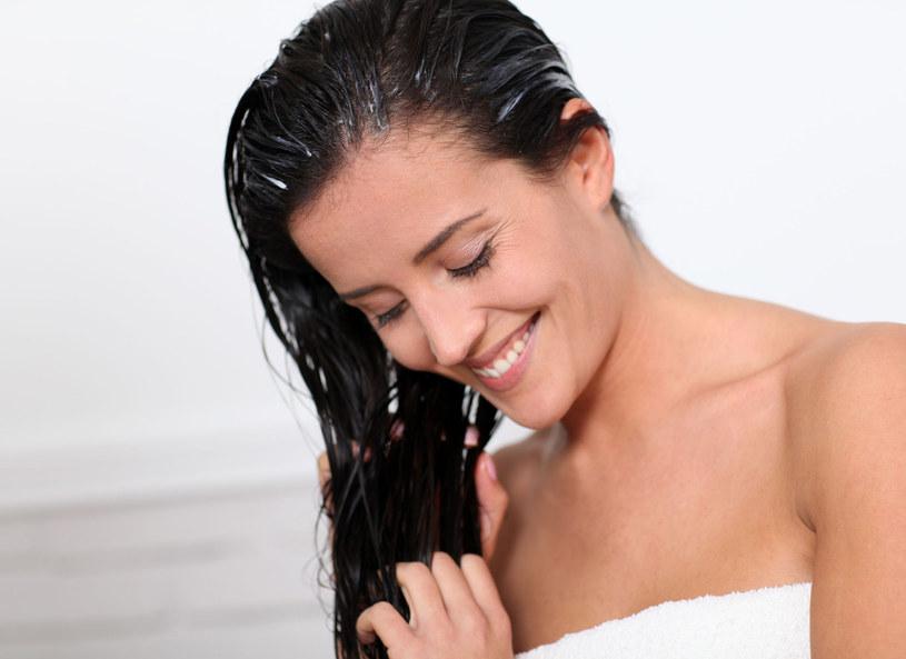 Kondycję włosów możesz poprawić domowymi kosmetykami /123RF/PICSEL