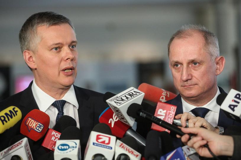 Konferencja prasowa, na której przedstawiono wniosek o wotum nieufności dla rządu /Rafał Guz /PAP