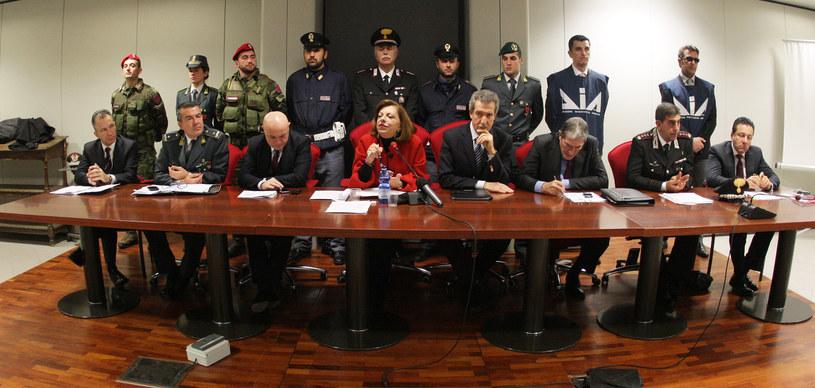 Konferencja prasowa po aresztowaniu 30 członków włoskiej mafii w 2013 r., zdj. ilustracyjne /MARCELLO PATERNOSTRO /AFP