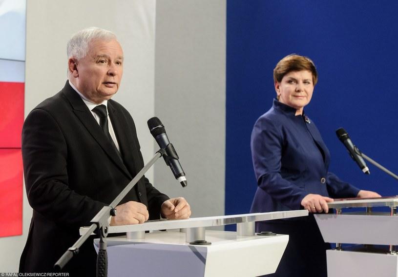 Konferencja prasowa prezesa PiS Jarosława Kaczyńskiego oraz przyszłej premier Beaty Szydło /Rafal Oleksiewicz/REPORTER /East News