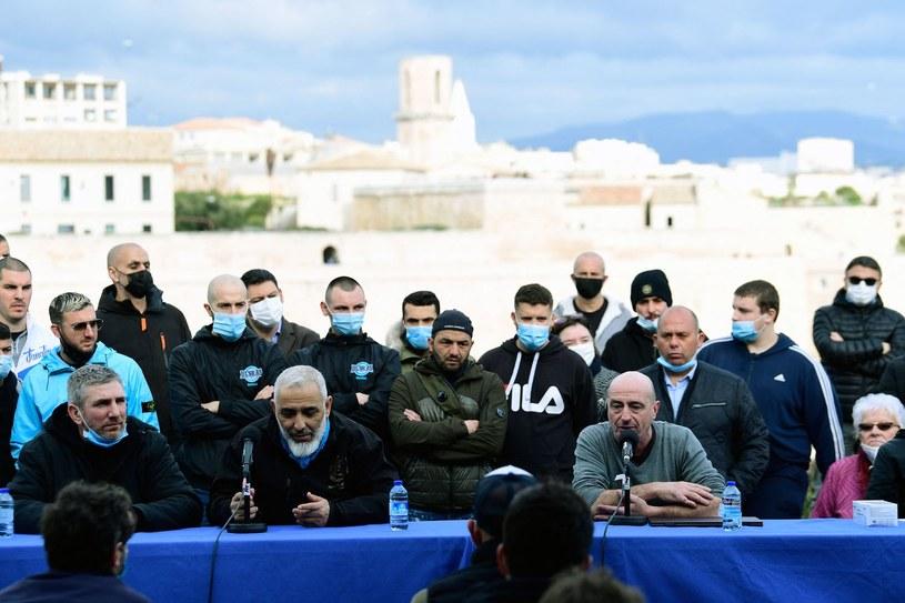 """""""Konferencja prasowa"""" przedstawicieli grup kibicowskich Olympique Marsylia /NICOLAS TUCAT /AFP"""