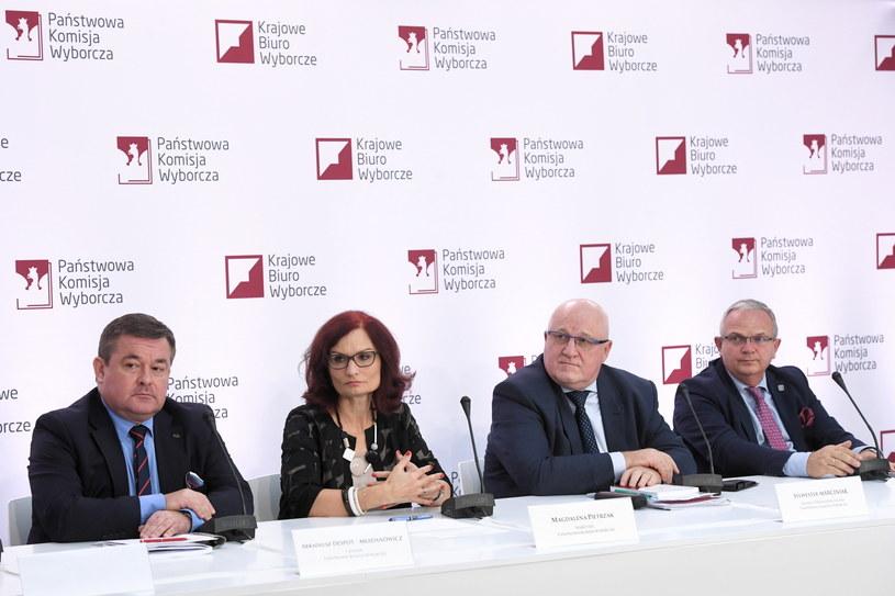 Konferencji prasowa w Państwowej Komisji Wyborczej nt. wstępnych wyników wyborów samorządowych /Radek Pietruszka /PAP