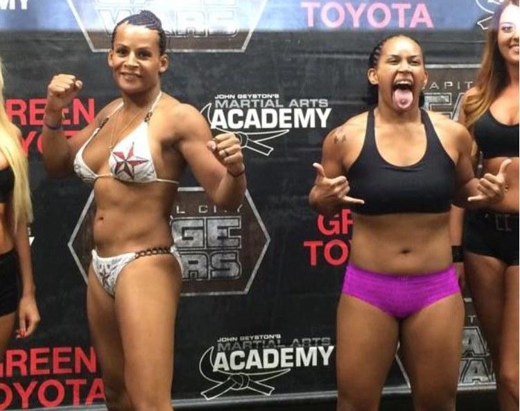 Konfrontacja z Fallon Fox (L), pierwszą w historii MMA transseksualną zawodniczką, skończyła się fatalnie dla Tamikki Brents. /