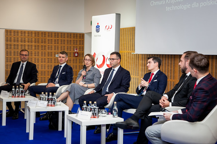 """Kongres 590, debata """" Chmura Krajowa- następny rozdział. Cyfrowe technologie dla polskich firm"""" /INTERIA.PL"""