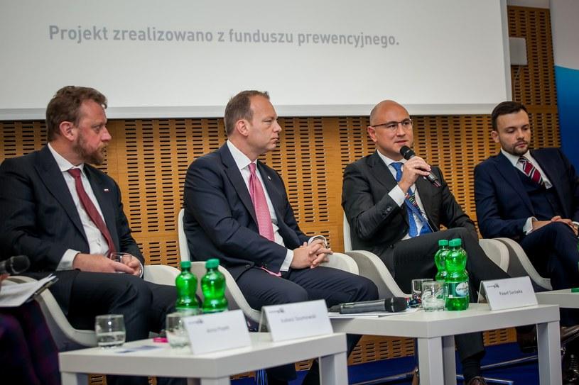 """Kongres 590 w Jasionce pod Rzeszowem, debata """"Najlepsza inwestycja to inwestycja w zdrowie"""", fot. Ireneusz Rek /INTERIA.PL"""