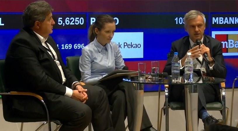 Kongres Bankowości Korporacyjnej i Inwestycyjnej, zdj. od lewej: Brunon Bartkiewicz, prezes ING Banku Śląskiego; Justyna Piszczatowska, green-news.pl i Bartłomiej Pawlak, wiceprezes PFR, źródło: cbc.projektekf /&nbsp