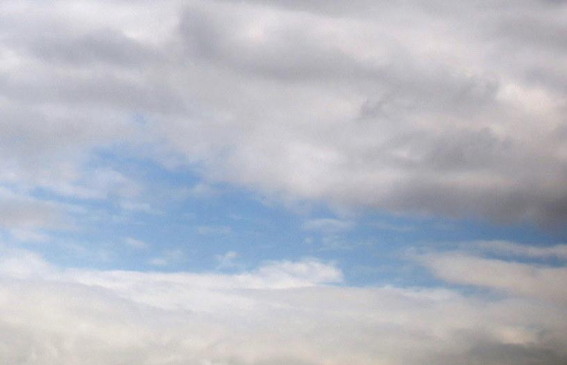 Koniec błękitnego nieba fot. Oliver Berg /AFP