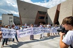 Koniec gimnazjów. MEN zapowiada zmiany w szkolnictwie, nauczyciele protestują