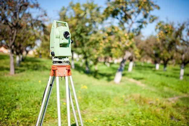 Koniec pracy dla geodetów ? /©123RF/PICSEL