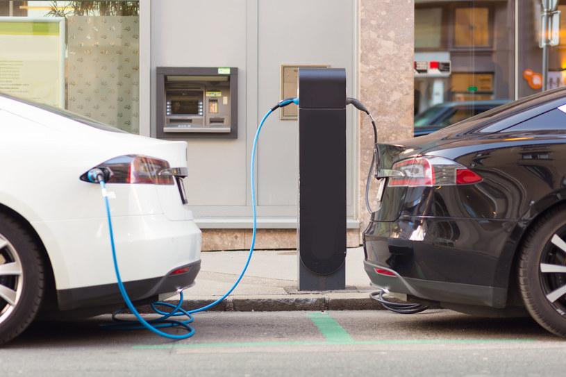 Koniec przywileju dla aut elektrycznych? /123RF/PICSEL
