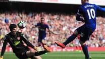Koniec serii meczów United bez porażki! Mourinho przegrał z Wengerem