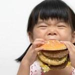 """Koniec """"śmieciowego jedzenia"""" w szkołach"""