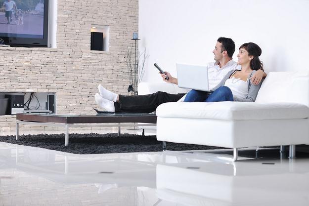 Koniec spędzania czasu przed telewizorem? /©123RF/PICSEL