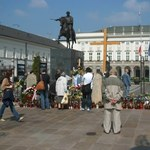 Koniec sporu o krzyż przed Pałacem Prezydenckim?