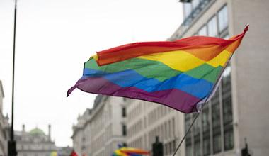 Koniec stref wolnych od LGBT+. Dla kasy?