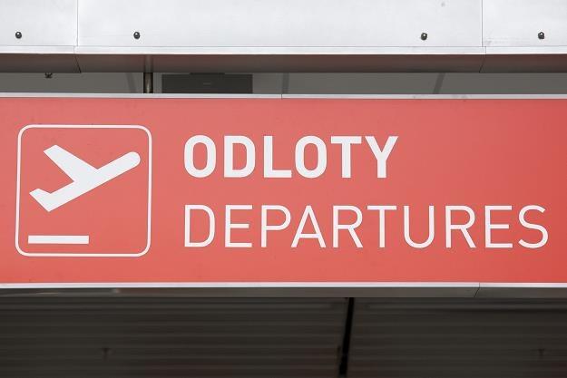 Koniec tanich lotów z Modlina? Niewykluczone jest zamknięcie portu lotniczego /fot. Andrzej Hulimka /Reporter