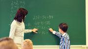 Koniec z dorabianiem przez nauczycieli. MEN wprowadza nakaz zatrudniania na etacie