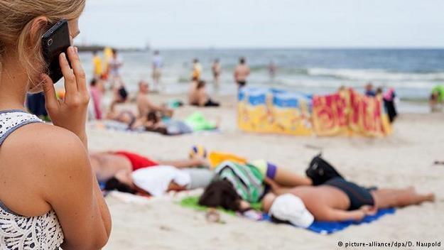 Koniec z wysokimi rachunkami za roaming w UE /Deutsche Welle