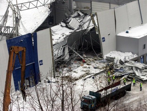 Konieczna była rozbiórka zawalonej hali /Andrzej  Grygiel /PAP