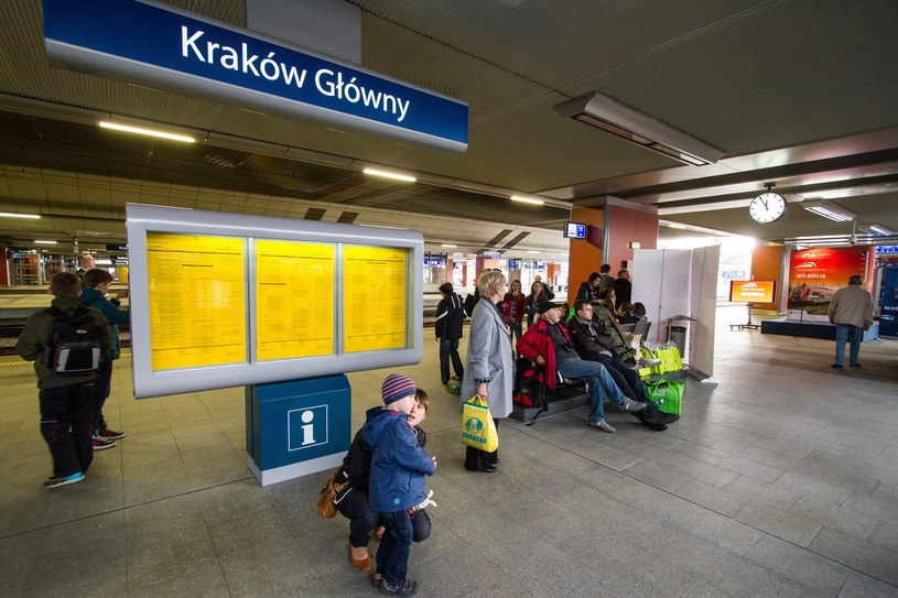 Konieczne było odwołanie czterech innych pociągów na linii Wieliczka – Kraków /Jan Graczyński /East News