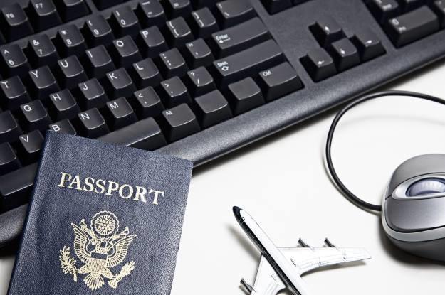 Konieczność posiadania dokumentu tożsamości przed zalogowaniem się do internetu - Rosja nie jest jedynym krajem, który ma takie pomysły. USA także pracują nad pilotażowym projektem, który zakłada potwierdzanie tożsamości internauty /123RF/PICSEL