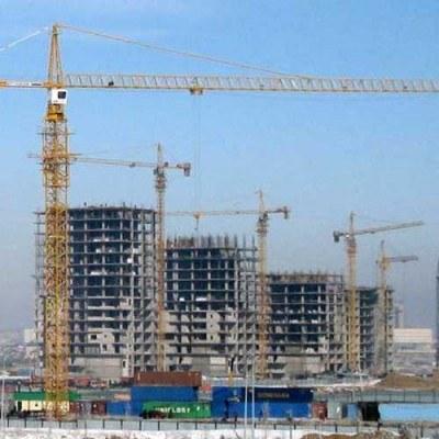 Konkurencja między deweloperami i większy wybór mieszkań to w konsekwencji niższe ceny /AFP