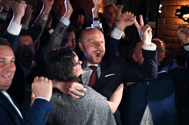 Konrad Fijołek zwyciężył wybory na prezydenta Rzeszowa /Darek Delmanowicz /PAP