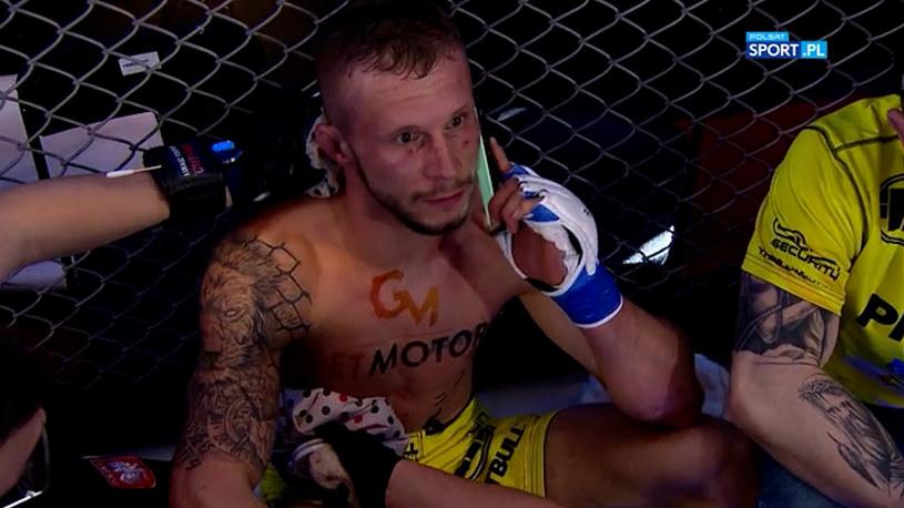 Konrad Furmanek zaraz po nokaucie zadzwonił do żony /printscreen /Polsat Sport