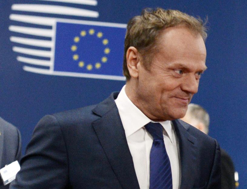 """Konrad Szymański: Donald Tusk jest """"niechętny reformom"""" Unii Europejskiej i """"nie dał sobie szansy na znalezienie porozumienia z polskim rządem"""" /THIERRY CHARLIER /AFP"""